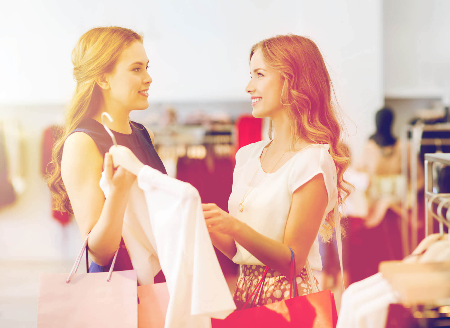 Frauen-beim-Einkaufen-1